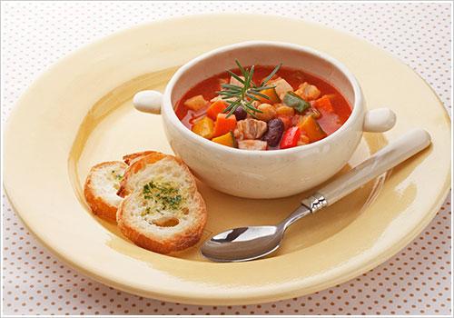 豚バラと豆のトマトチリスープ