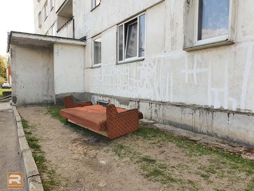 Ugunsgrēkā Pasta ielā apdedzis dīvāns