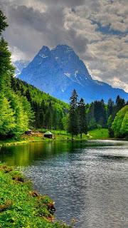 Contoh Gambar Wallpaper Pemandangan Pegunungan