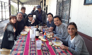 Vecinos de Monte Chingolo compartieron el Locro de la Biblioteca para celebrar de Día del Trabajador