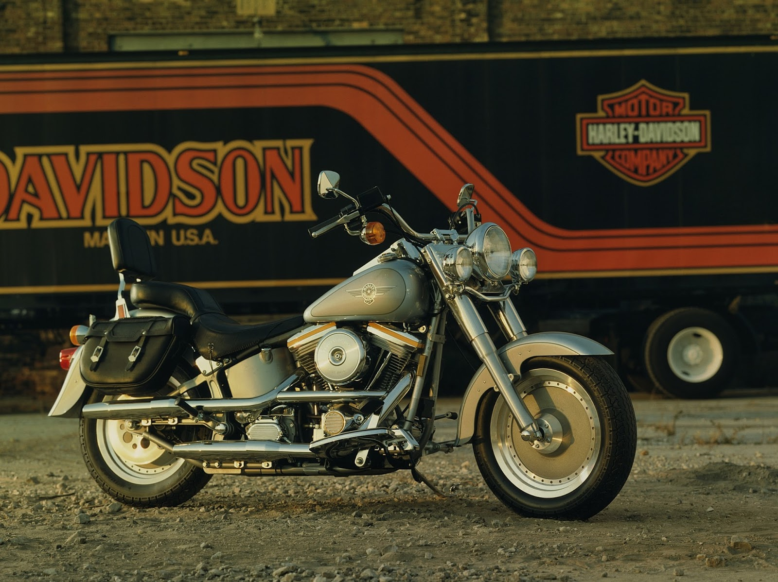 the growth of harley davidson company during the 1990s She first consulted with the harley-davidson motor company in 1990 to create brand strategies outside of north america later, she joined its senior management as harley's first woman vice president, responsible for global marketing and brand management as well as the global licensing program.
