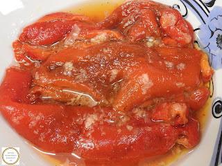 Salata de ardei capia copti cu usturoi si otet reteta salate,
