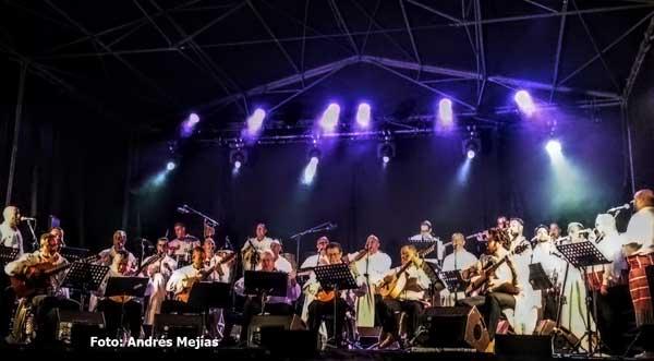 actuación de  Los Sabandeños  en  el XVIII Bidasoa Folk Festival, Hondarribia, Guipúzcoa,