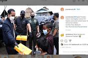 Jokowi Bagi-bagi Donat ke Anak-anak Korban Banjir Kalsel Panen Cibiran