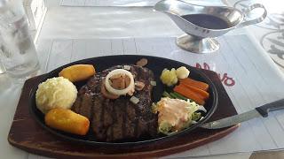 5 Tempat Makan Recomended di Makassar Versi Icha Afriza