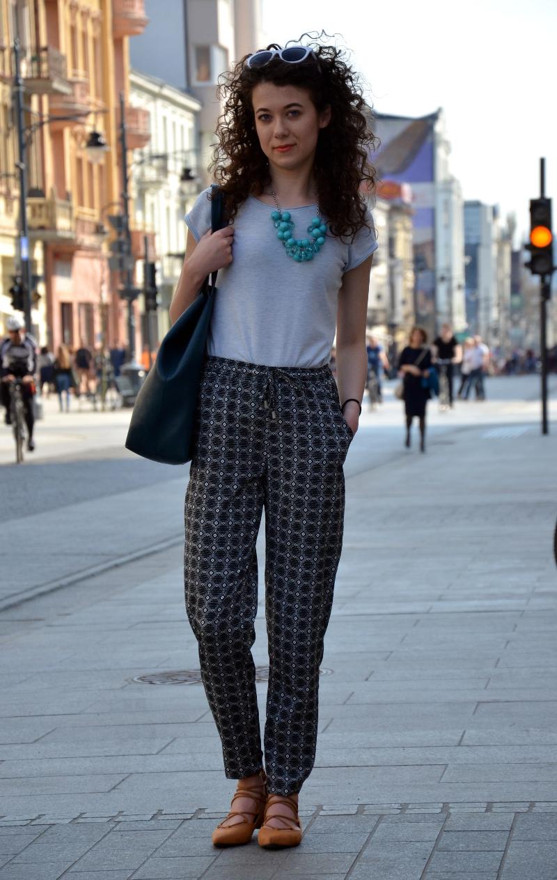 zakreecona, kręcone włosy, Łódź, Piotrkowska, Fashion, blogerka, kamienice, secesja, zwiedzanie, stylizacja, outfit