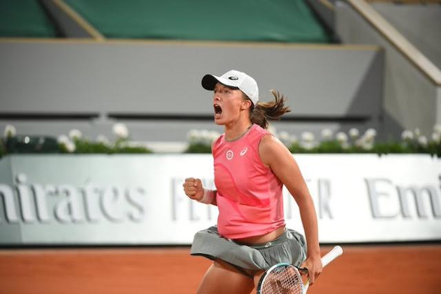Iga Swiatek segue com o sonho do bi em Roland Garros