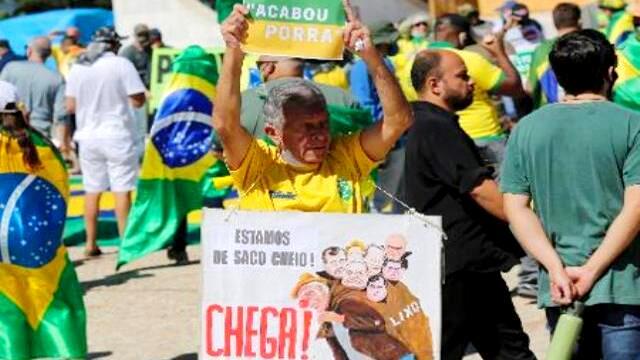 Bolsonaristas mentem para bolsonaristas nas redes sociais