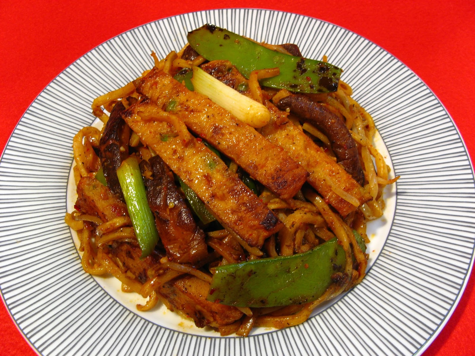 Duck soup easy doenjang fish cake noodles for How to make fishing noodles