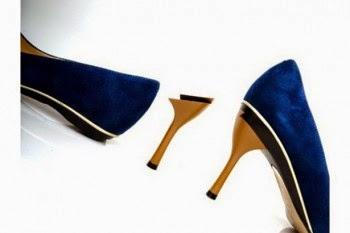 0be406110 Descobrimos que a canadense Tanya Heath, criou uma loja de sapatos com  sapatos que trocam o tipo de salto.