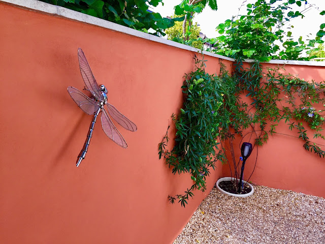 recycled sieve winged dragonfly - Ed Hill