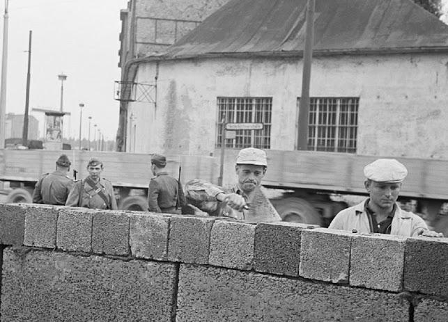 13 agosto 1961, sessant'anni fa la costruzione del muro di Berlino