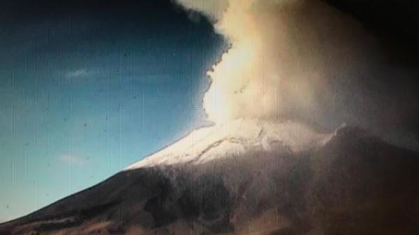 Se Han Reportado 2 Explosiónes Del Volcán Popocatépetl De México.