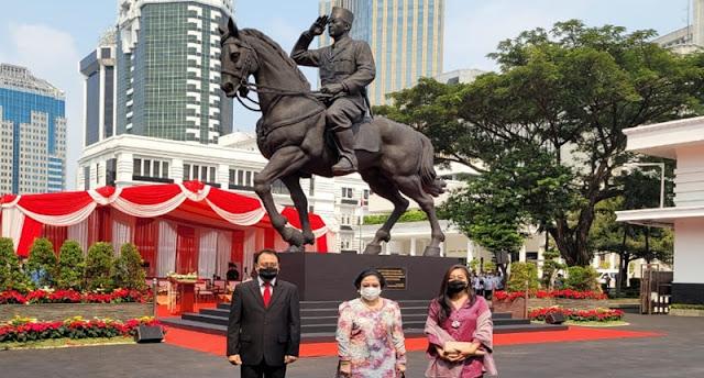 Megawati Gandeng Prananda ke Kantor Prabowo, Kok Bukan Puan Maharani?