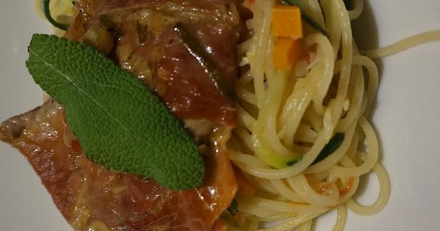 Saltimbocca alla romana mit Gemüsespaghetti