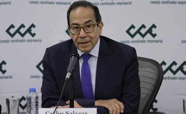 """Carlos Salazar Lomelín, dijo que los 3 millones de microcréditos, que el gobierno federal está otorgando a las empresas del país,  """"parecen poco ante el drama humano que viven miles de mexicanos afectados por la pandemia del Covid-19"""". (Foto: El Porvenir)"""