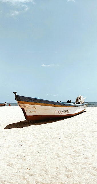 Pondicherry-travel-weekend-getaway-style prism-blog-street photography-boat-beach-sand