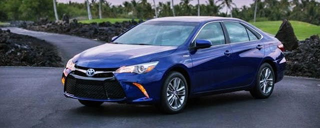 2018 Toyota Camry Hybrid XLE Rumors Features