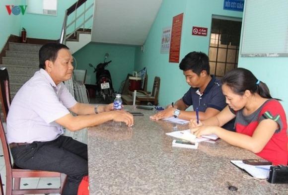 """Ai """"chống lưng"""" cho Trưởng phòng GD-ĐT huyện Vĩnh Thuận?"""