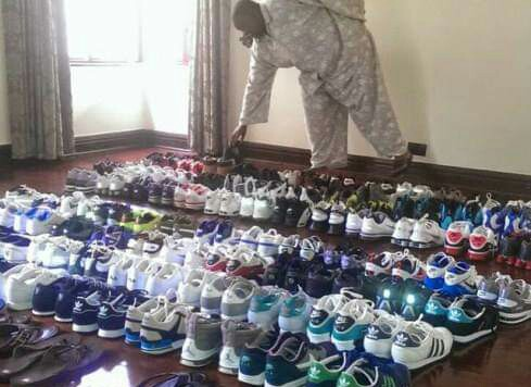 Yoweri Museveni connects with youthful voters with shoes