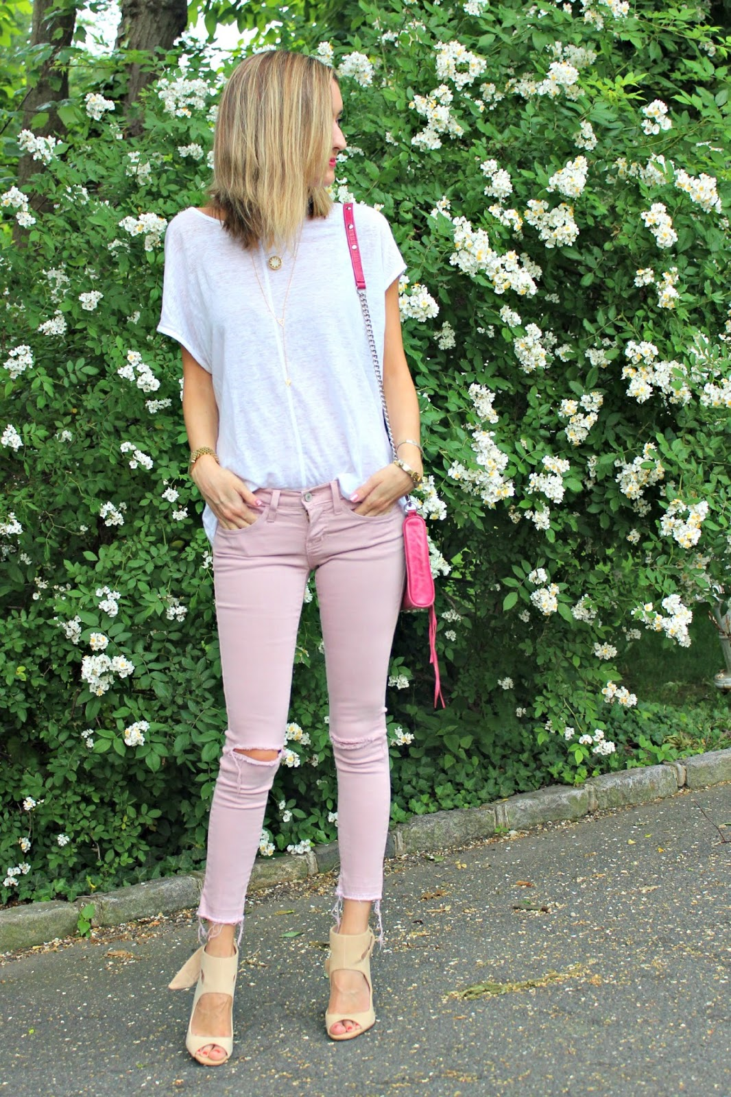 pink & neutral outfit