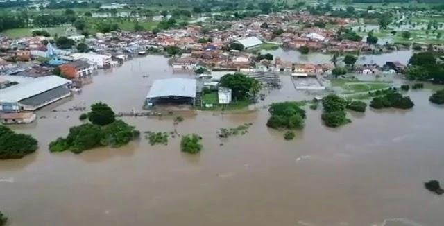 Rio Itapicuru transborda