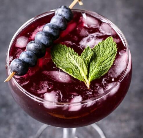 SPARKLING BLUEBERRY LEMONADE MOJITOS #drinks #alcoholic