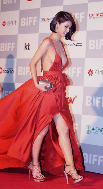 Oh In Hye 오인혜 Hot Red Carpet Dress Photos 12
