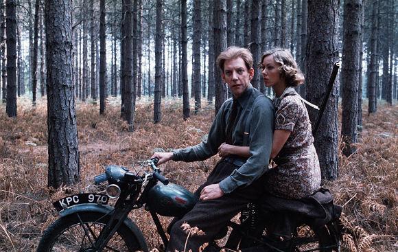 Donald Sutherland and Jenny Agutter on a motorbike