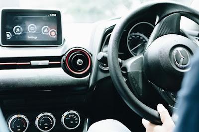 teknologi canggih terdapat pada mobil