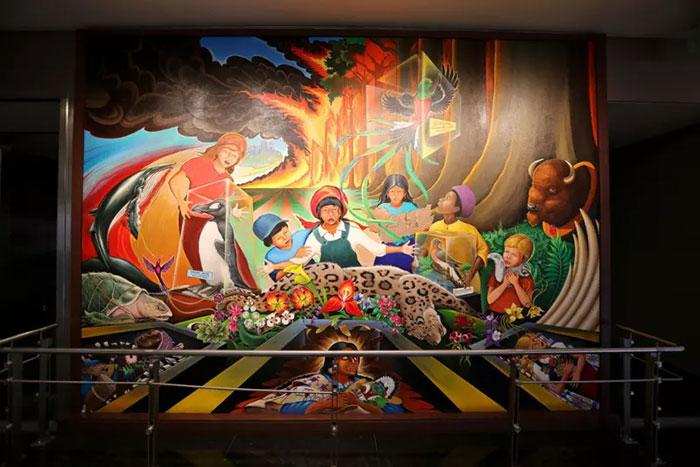 Di Bandara Denver, Ada Lukisan Dinding yang Diklaim Berisi Ramalan Masa Depan