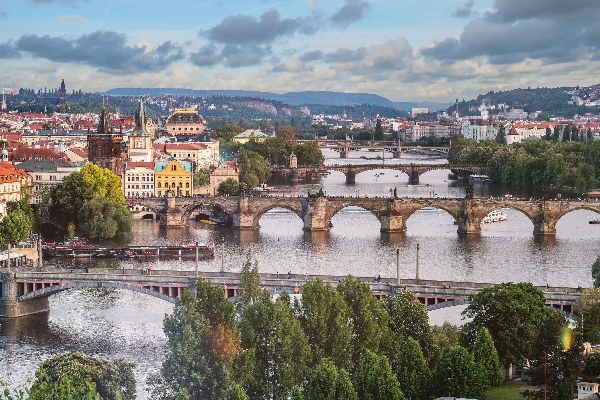 jeshoots-com-romantic views over prague and the charles bridge