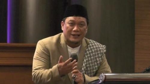 Yahya Waloni Tak Diakui MUI Sebagai Ustaz, Cholil Nafis: Bukan Berstandar MUI
