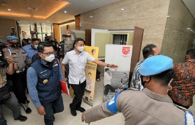 Kang Emil Beri Klarifikasi Soal Kerumunan Massa di Gedung Bareskrim Polri