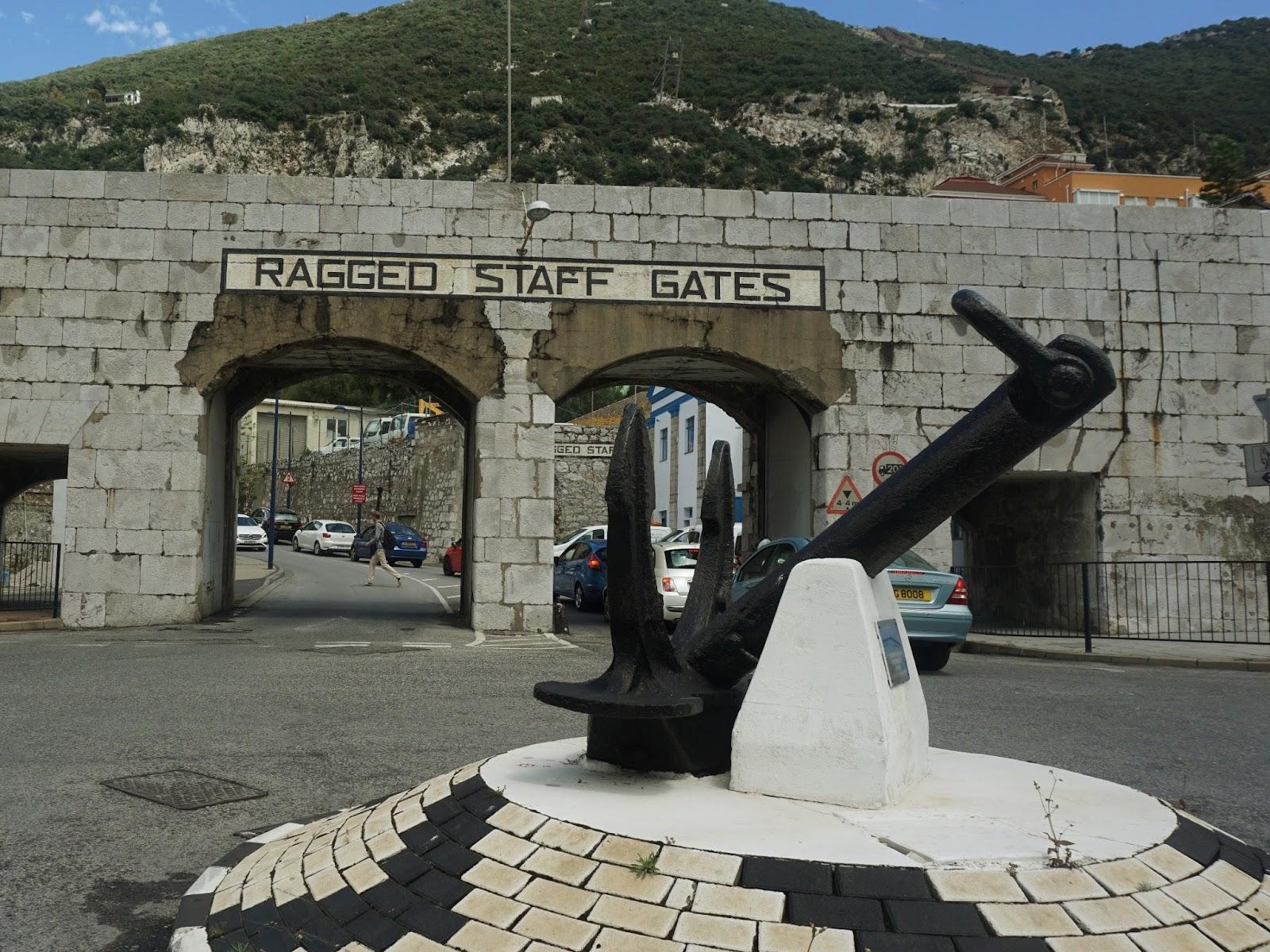 hiszpańskie miasto, Gibraltar, panidorcia, blog, Hiszpania, podróże, rondo