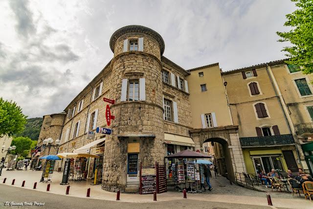 Castillo de Anduze - Francia, por El Guisante Verde Project