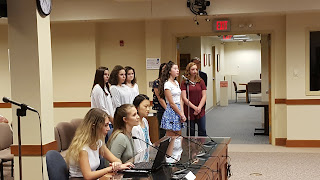 many of the FHS students presenting to the Town Council to propose a ban on the use of plastic bag for retail establishments