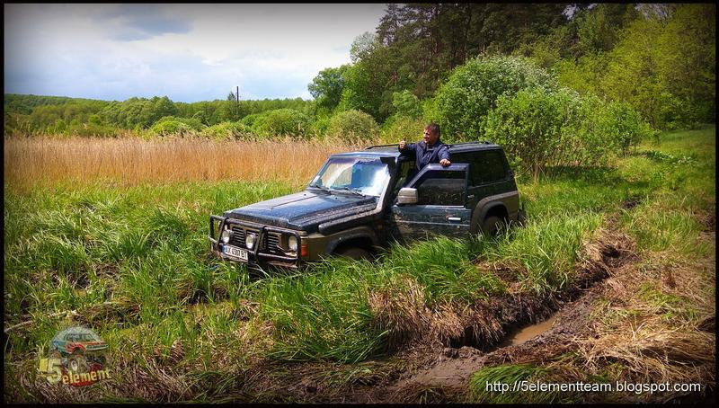 Nissan Patrol по грязи