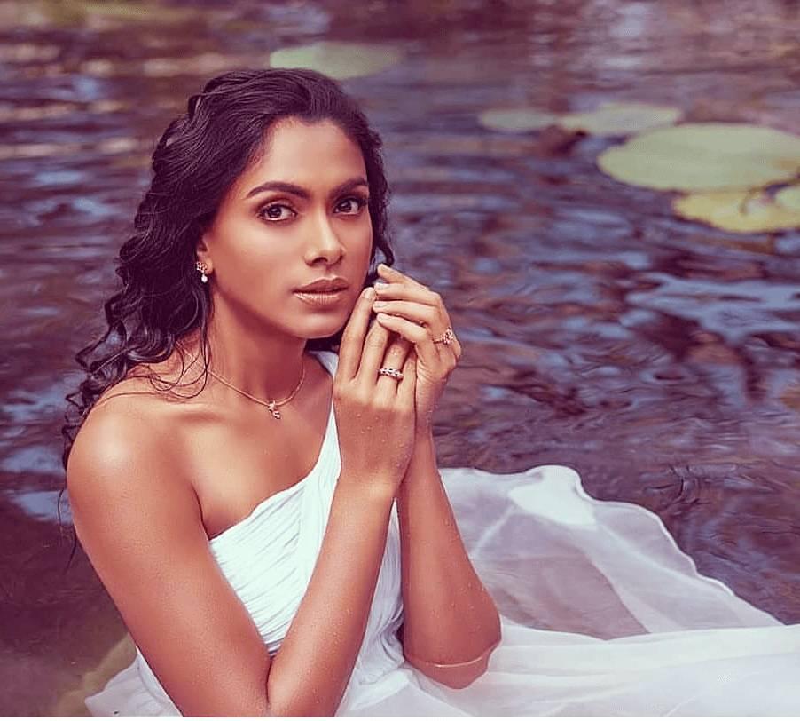 hot indian bikini model