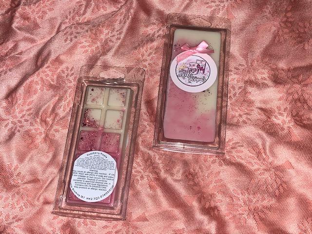 Raspberry Ripple snap bar wax melts