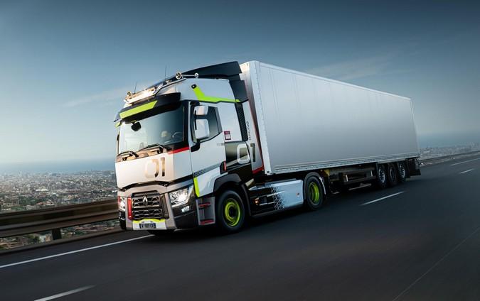 Renault Trucks apresenta série especial de caminhões usados