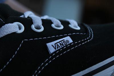 Menyimak Sepatu Vans Trendi Untuk Kaula Muda