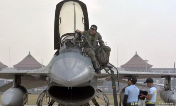 Keberangkatan 8 F-16 ke Darwin