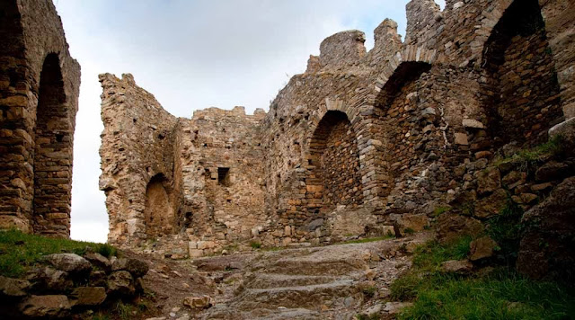 Ruinas Los castillos de Lastours