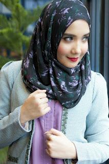 Koleksi Busana Muslim Zaskia Sungkar