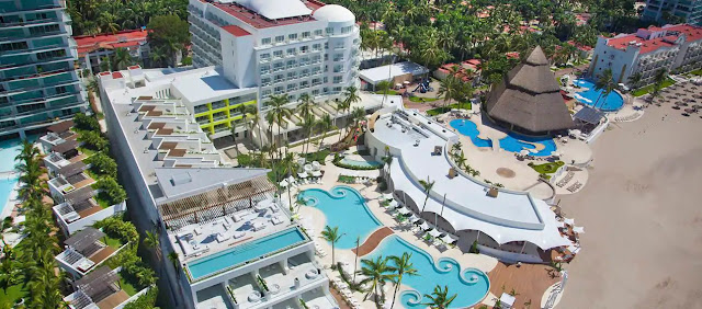 Hilton Puerto Vallarta Resort - All Inclusive resort, set amidst the Bay of Banderas beaches, has onsite dining, spectacular rooms, great vistas & is by the airport.