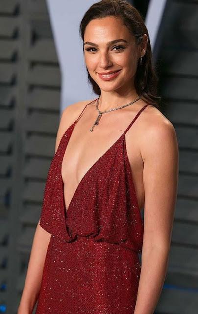 Hollywood Actress Gal Gadot Photos