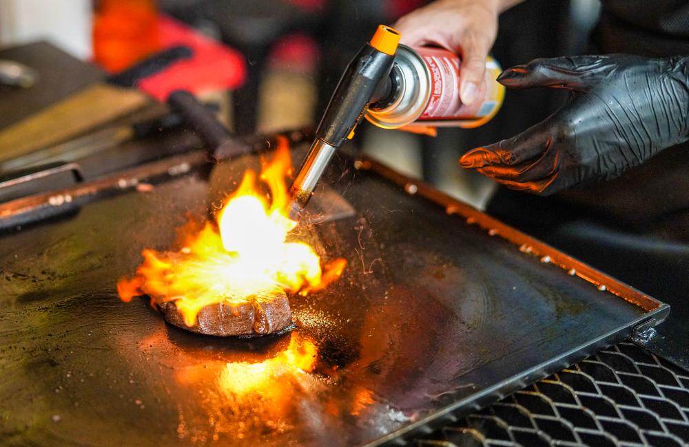 huo flamethrower bbq, puchong