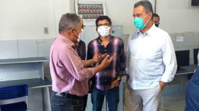 Em visita, Rui descarta apoio à candidatura alternativa e sela com Silvio Macedo em Itapetinga