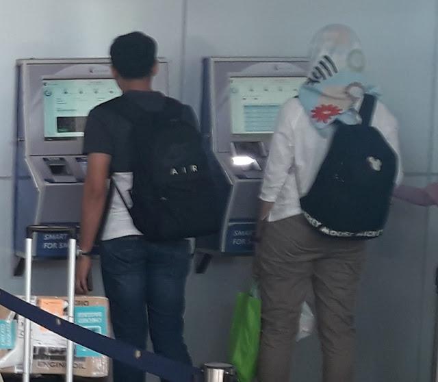 KA Bandara Railink mesin beli tiket